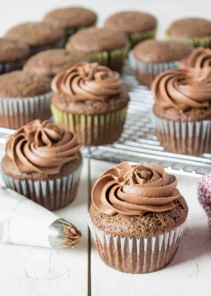 These chocolate mayonnaise cupcakes are mixed together in just one bowl!