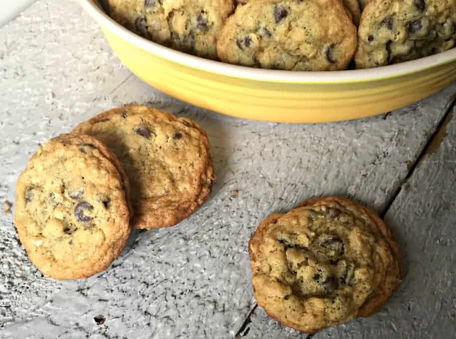 Dark chocolate oat cookies