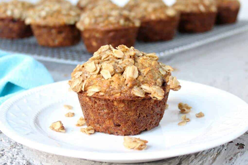 These oatmeal banana muffins have oatmeal in the muffin and an oatmeal ...