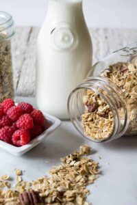 Start your day out with this healthy maple pecan granola beyondthechickencoop.com