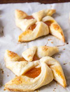 Apricot Puff Pastry Pinwheels