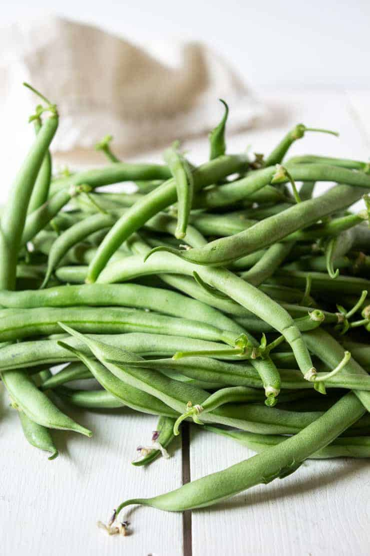 Fresh green beans used for making green bean almondine