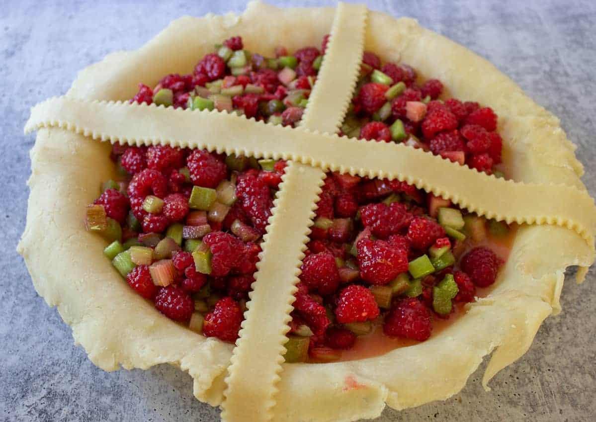 Adding lattice to a pie.