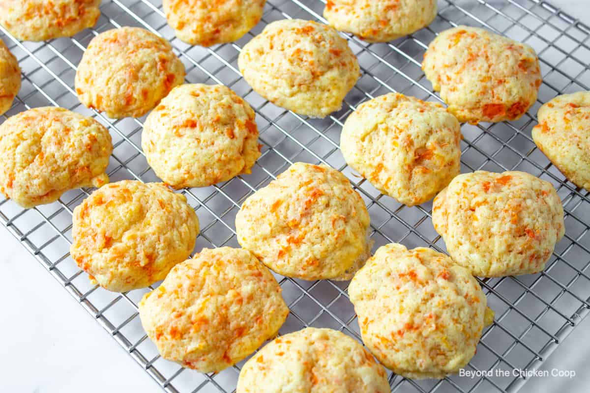 A baking rack filled with carrot cookies.